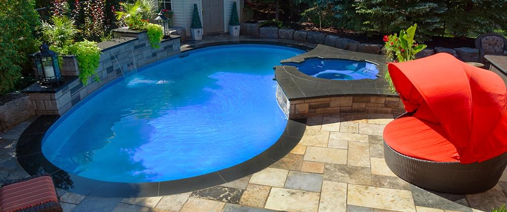 Five Reasons to Remodel or Build a Pool in the Fall