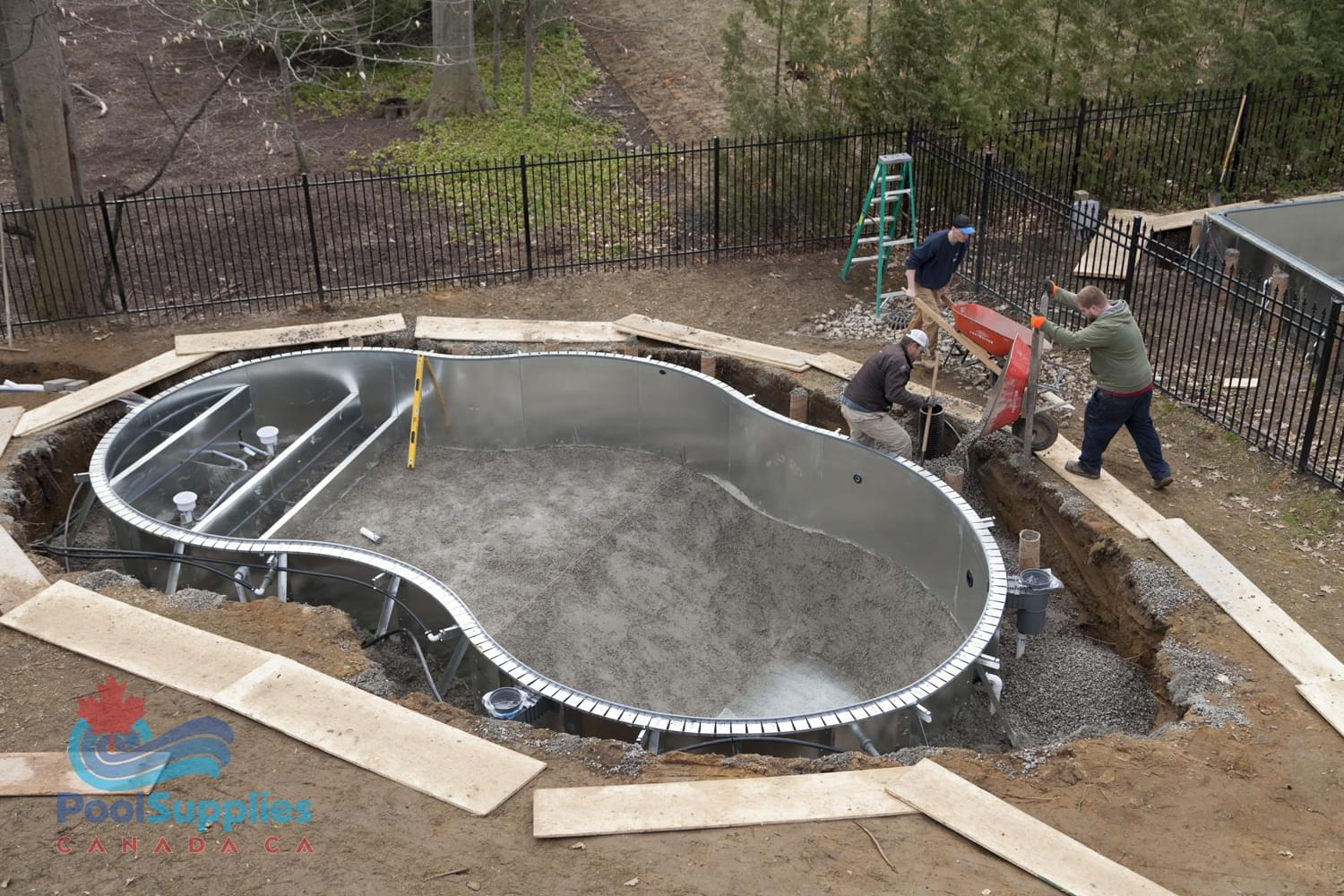 Inground pools pool supplies canada for Best pool buys canada